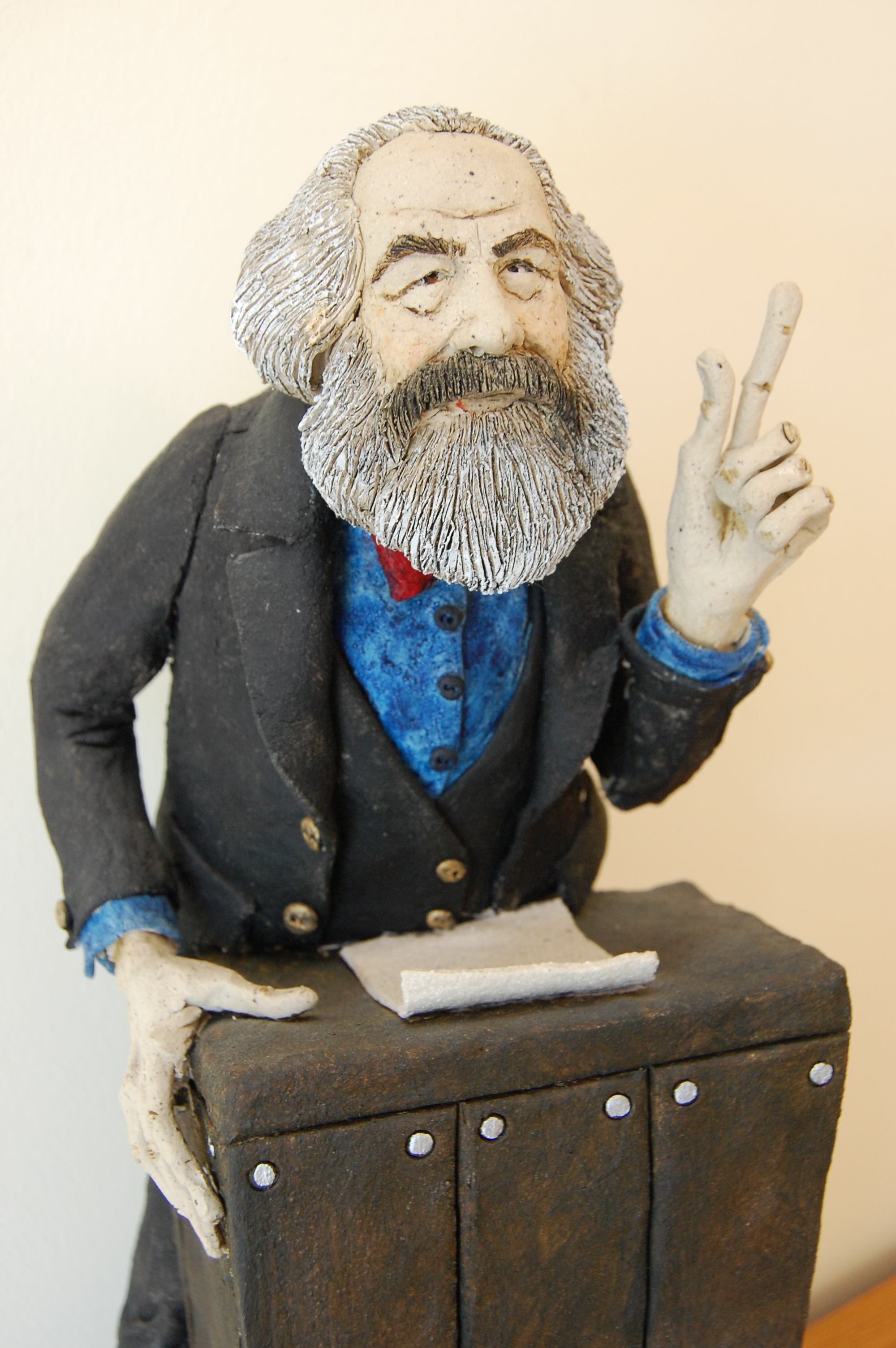 karl marx views essay Marx's ideas did not end at communism his religious ideology also helped shape  and mold the 20th century world karl marx was born in 1818.