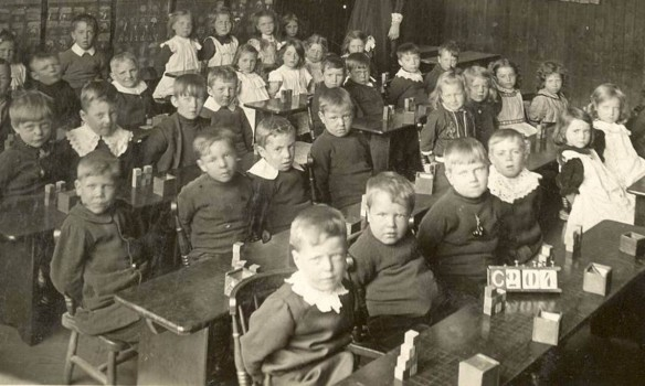 classroom-19th-century-1140x684
