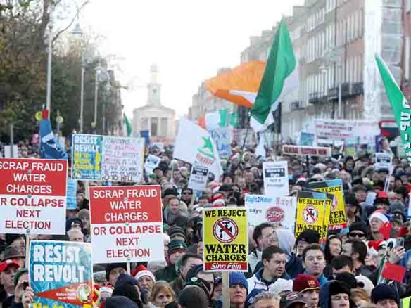 10/12/2014 Anti Water Charges Protests. Pictured are members of the public protesting against water charges at the Right 2 Water event outside Government Buildings in Dublin today. Picture: Sam Boal / Photocall Ireland