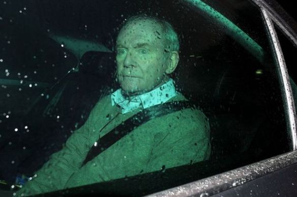 martin-mcguinness-resigns-2_-lewis
